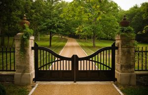 Pretty-Driveway-Gates-fashion-Nashville-Traditional-Entry-Innovative-Designs-with-driveway-fence-finial-Landscape-plinth-